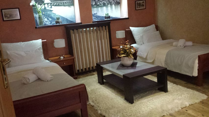 Apartment 3 - room 1 - Niksic - Appartement