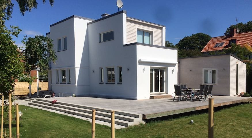 Modern house near city center - Ystad - 一軒家