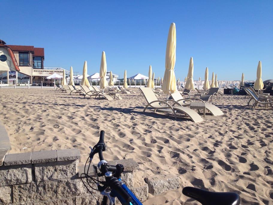 plaża przed Grand Hotelem
