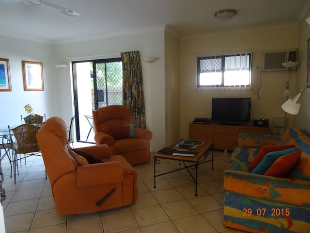 Cosy Apartment in Townsville - North Ward - Hus