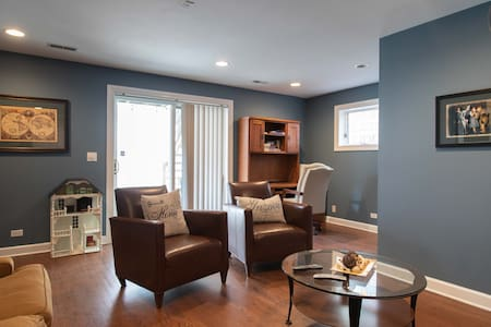 Beautiful furnished home in the heart of Pilsen