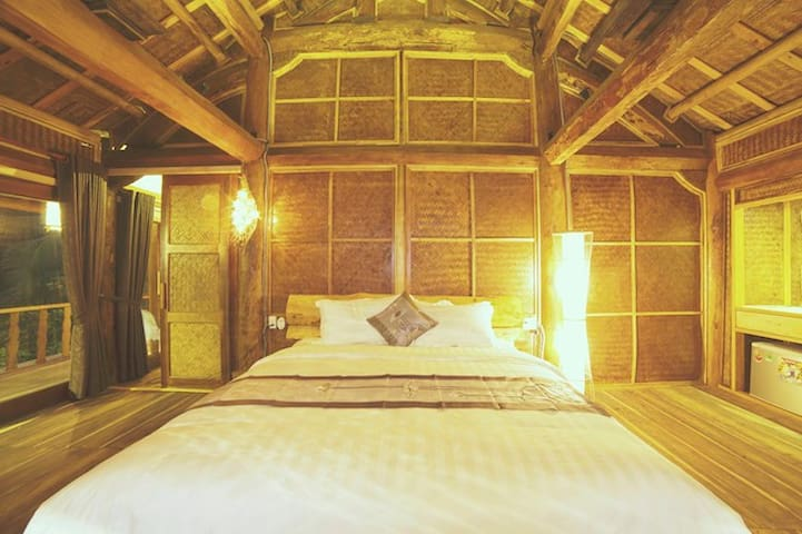 Ocean Cabin  Suite with Balcony - Hội An - Chalet