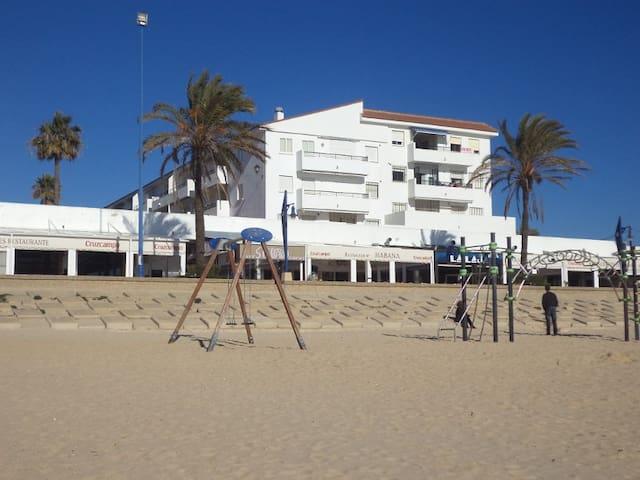 Primera linea de playa La Barrosa. Chiclana