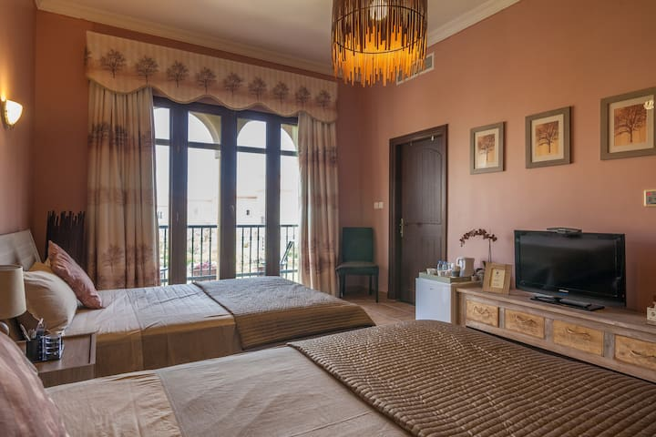Amazing Villa (2 Queen Size Bed)