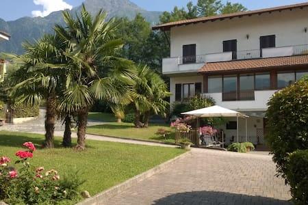 Agriturismo, relax sul Lago di Como - Colico Piano - Bed & Breakfast