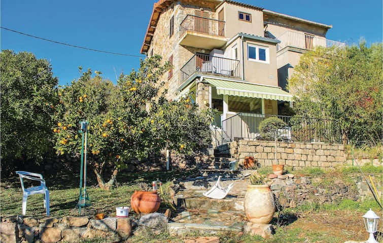 Holiday apartment with 3 bedrooms on 60 m² in Sarrola Carcopino