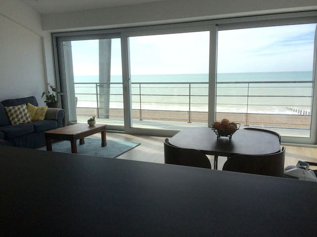 Lancing Beach Apartment - Lancing - Квартира