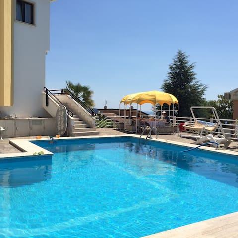 Matrimoniale con terrazzino e bagno - praia a mare - Bed & Breakfast