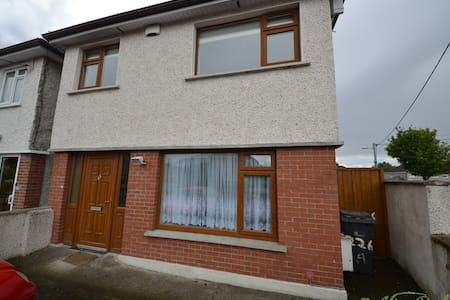 Large Double bedroom, Glasnevin