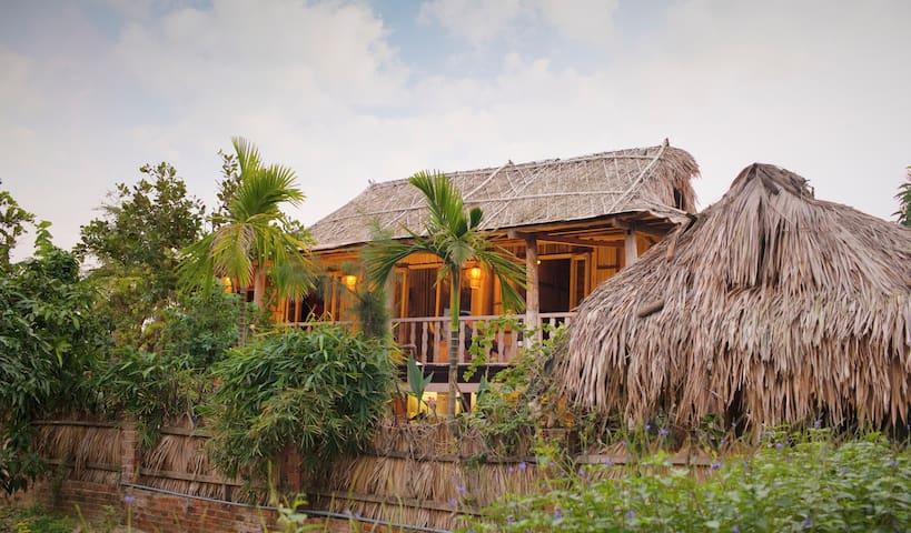 Tonkin  Luxurious 2-br Beach House - tp. Hội An