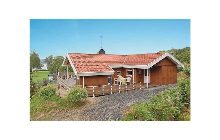 Holiday cottage with 3 bedrooms on 80 m² in Børkop