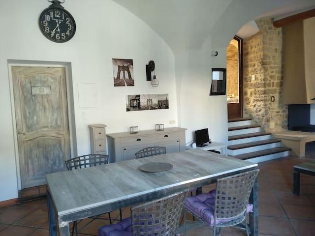 loft  de 60m2 proche Uzès, Avignon, Pont du Gard