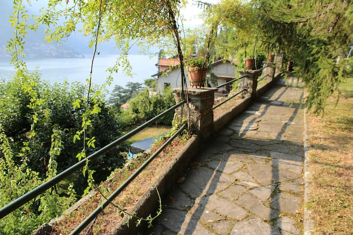 Villa Joy at Como Lake - Pognana Lario - Rumah