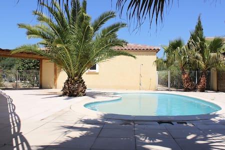villa 170 m2 avec piscine sécurisée - Mirepeisset - Villa
