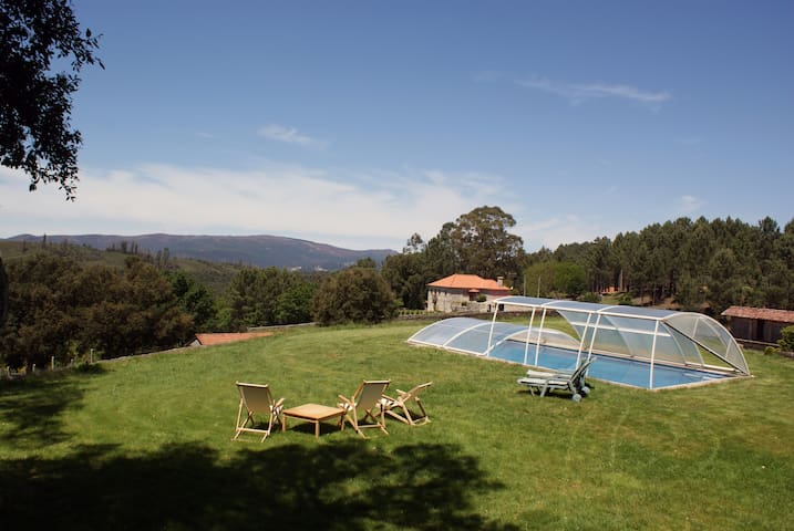Portuguese Country House with pool - Romarigães - Villa