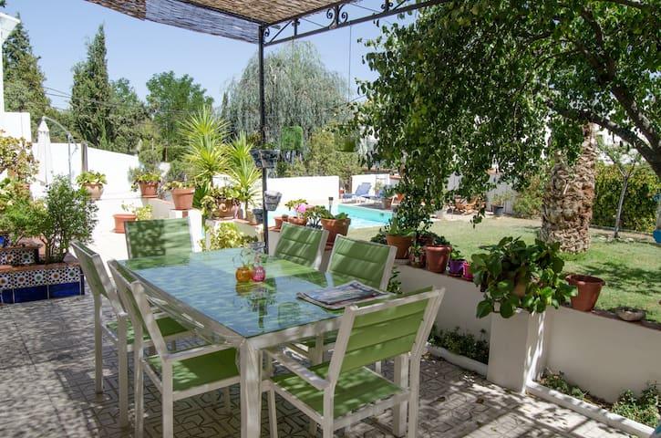 Casa individual con piscina - Huétor Vega - Ev