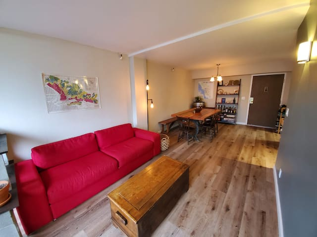 2 bedroom heart of Oakland (50% profit to charity)