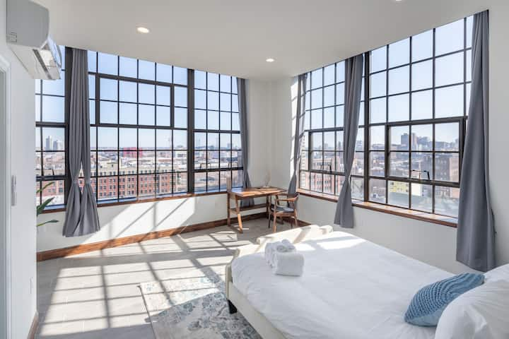 Sosuite | Romantic Loft with 180 degrees Views + Discounted Parking