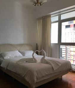1BR DOWNTOWN CONDO BESIDE MRT TRAIN STATION - สิงคโปร์