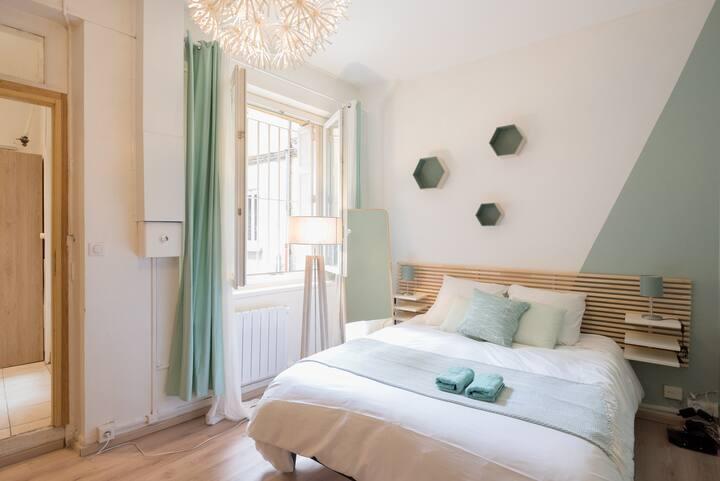 LM Vert d'eau - Beau studio + terrasse, idéalement situé gare