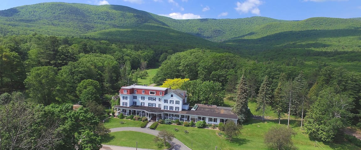 Catskill Mountain Family Resort