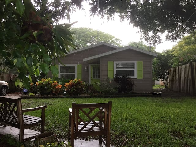 Bungalow near beaches/restaurants!! - Osprey