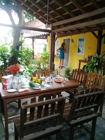 A charming cozy in the middle city - Banyuwangi - Bed & Breakfast