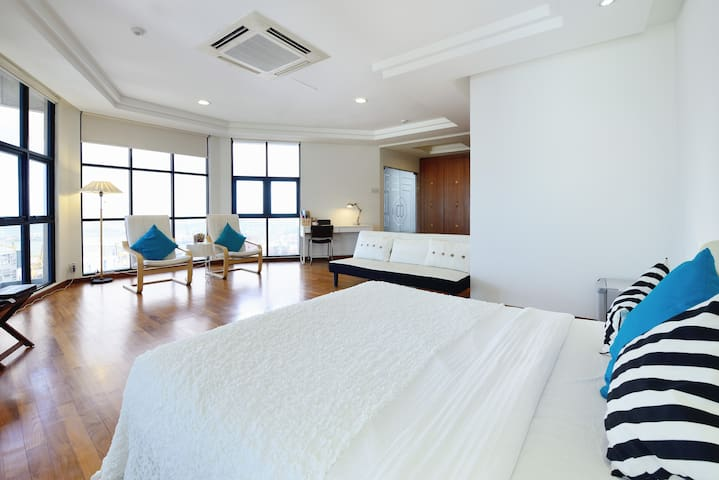 Pacific 1 Super Big Penthouse Master room - Singapur - Loft