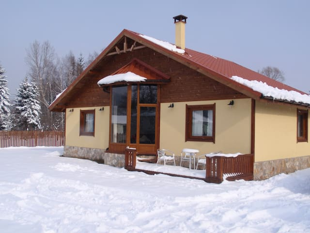 White Orchid Lodge - Bulgaria - Maypole Green - Casa