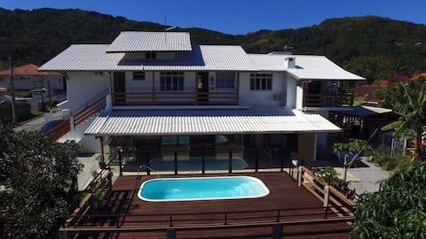 Apartamento 2 quartos na Barra da Lagoa/Floripa