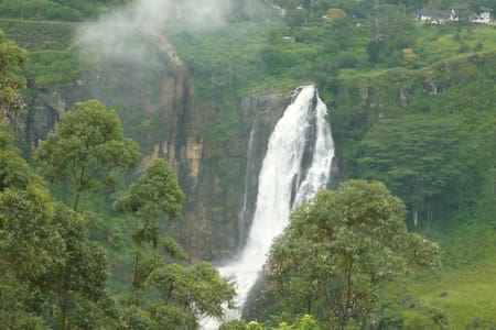 Visitor's Guest  5 MINUTES Drive from the city - Nuwara Eliya