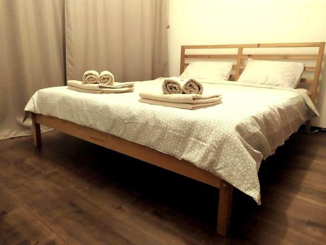 Bedroom, 1 double Queen bed