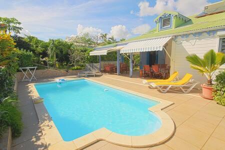 Villa Créole avec piscine, à 300 m plage privée - Villa