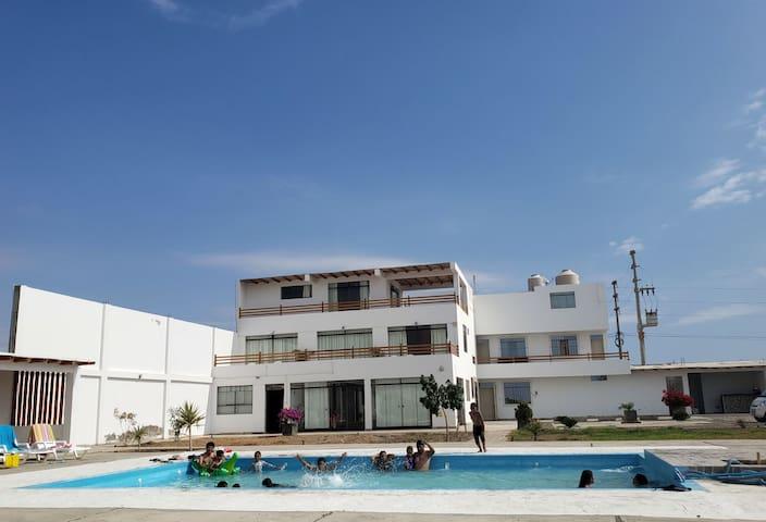 Minidepa en Paracas