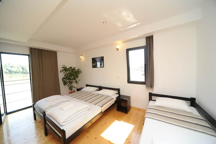 Triple Room with balcony (3+1 beds)