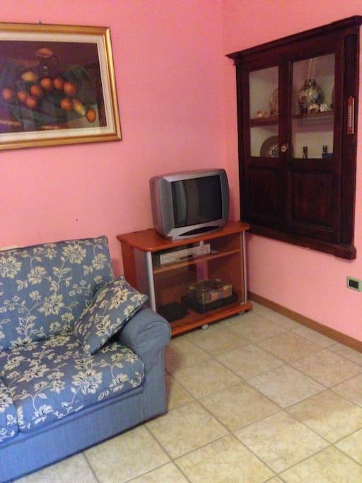 Un angolo del soggiorno / A corner of the living room
