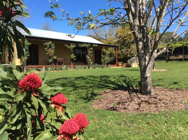 Candlebark Cottage - Bundanoon - บ้าน