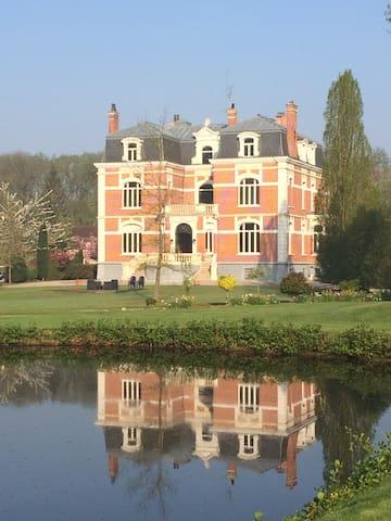 Château de beauprès près de lille