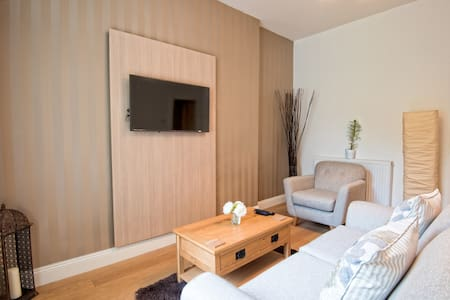 Deluxe One Bedroom Apartment 174 - Falkirk - Apartment