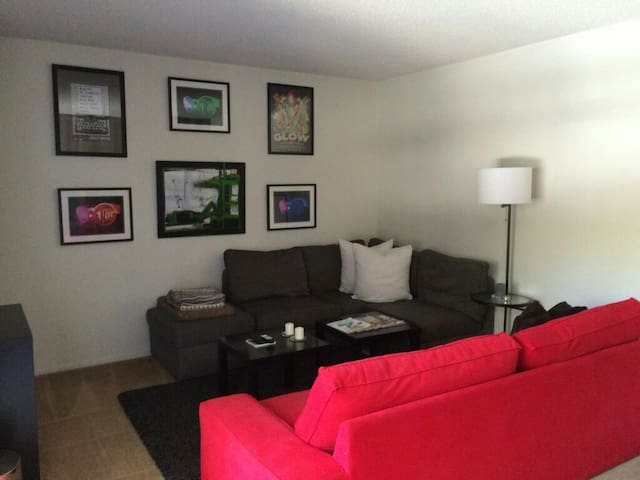 Universal Studios / Hollywood Hills 1bd/1ba - Los Angeles - Lägenhet