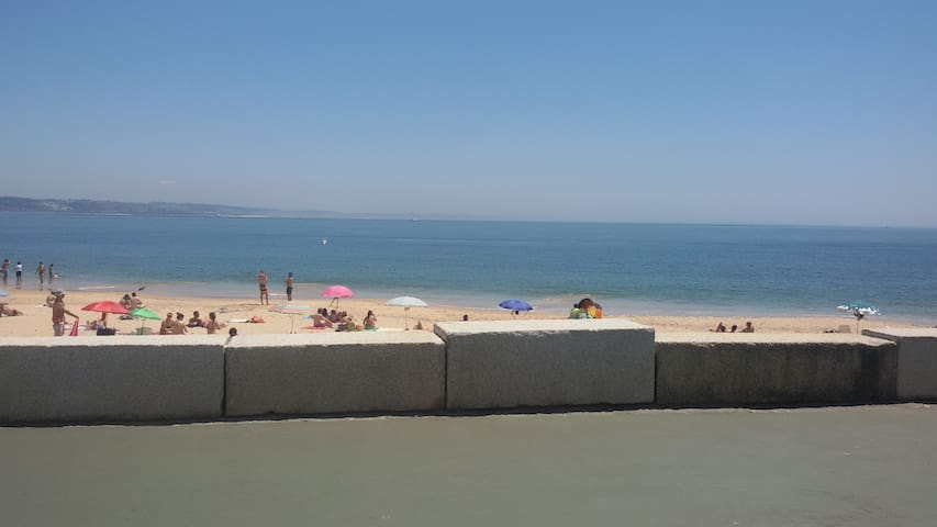 Beach House, near Lisbon, Sintra and Cascais - Paço de Arcos