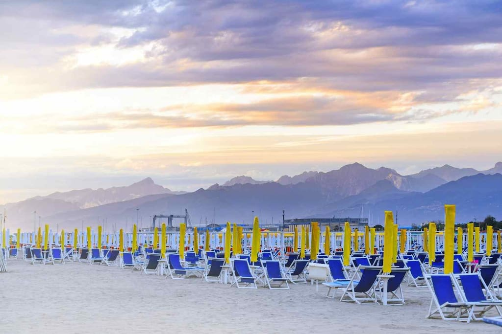 spiaggia Darsena, V.le Europa, Viareggio