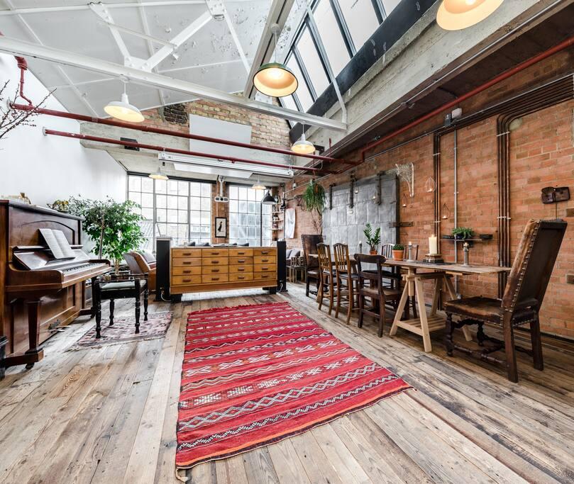 huge loft former shoefactory cinema piano sonos lofts en alquiler en londres reino unido. Black Bedroom Furniture Sets. Home Design Ideas