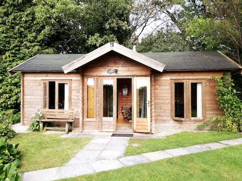 The 'SHED' Log Cabin, Bishop Sutton