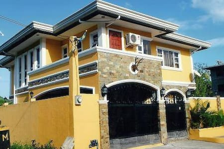 HOUSE RENTAL IN CLUB MOROCCO - Subic - Byt