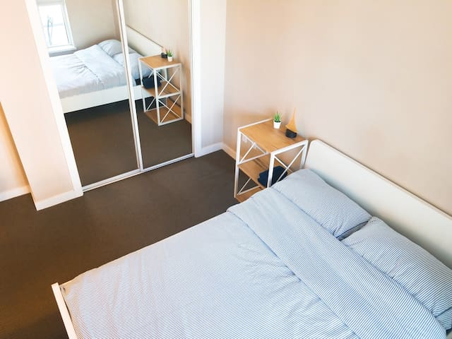Private lovely Room in Downtown! Female Only!