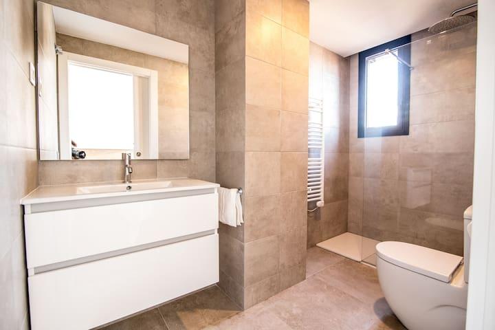 Apartamento de diseño en el centro de Reus 3-2