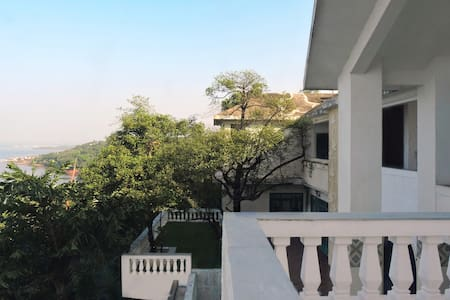 Kokum Tree Suite 2 - Dabolim - Bed & Breakfast