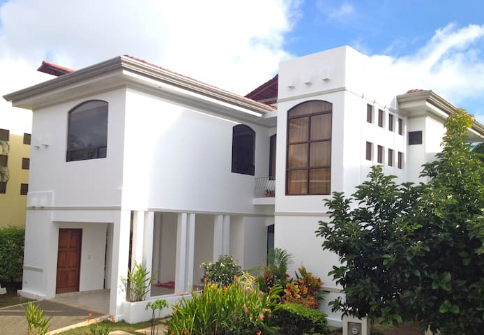 1bedroom apt in beachfront gated community - Playa Hermosa - Appartement