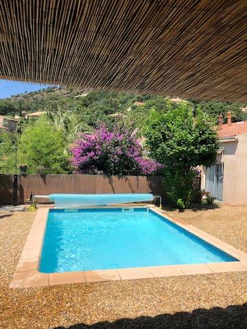 Maison piscine privée chauffée à 200m  des plages